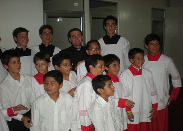 Caballeros del Altar en El Salvador.