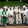 Foto al concluir la misa de clausura de los ejercicios espirituales.