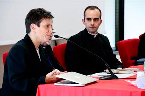 Un momento durante las mesas redondas en las que se ahondó en las experiencias apostólicas en la formación y difusión de la fe en apostolados.