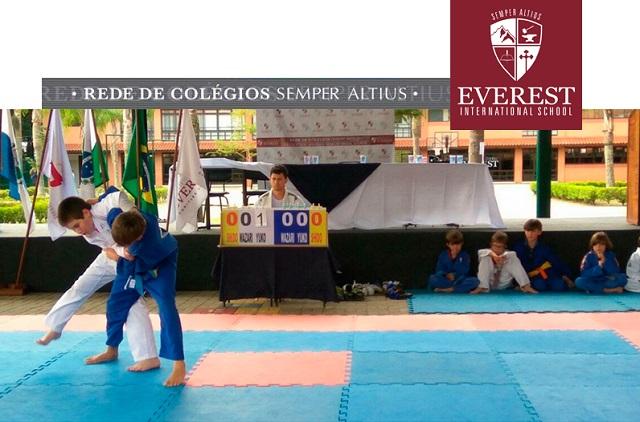 Estudantes da Rede de Colégios Semper Altius se reúne em Curitiba para competições desportivas