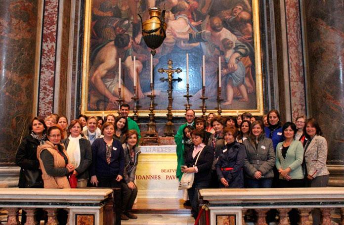 El P. Roberto Aspe, L.C. en su conferencia sobre los movimientos y carismas en la Iglesia.