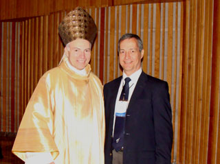Arturo González con Mons. Carlos Aguiar
