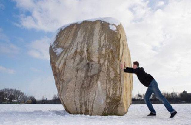 Empujando piedra
