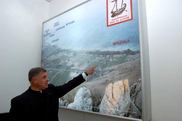 Pe. Juan Solana apresenta o projeto de Magdala Center