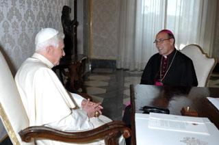 Benedicto XVI y Velasio De Paolis