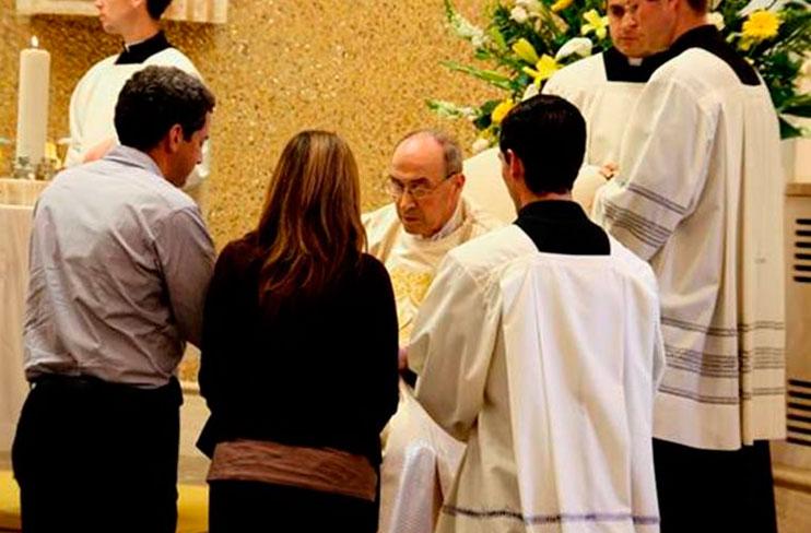 El Card. Velasio De Paolis durante la misa del congreso �La primavera de la Iglesia y la acción del Espíritu�.
