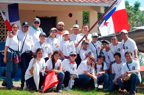 Juventud y Familia Misionera de Panam&aacute;, un grupo naciente destinado a crecer.