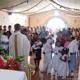 Un sacerdote legionario confiere el sacramento del bautismo en la comunidad de Cerro Prieto, gracias a la labor de Familia Misionera.
