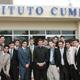 El P. Dennis Doren, L.C. con algunos alumnos del Instituto Cumbres de León.