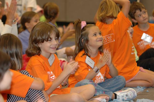 Niños en el encuentro de juventud y familia, en San José California.
