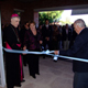 Mons. Óscar D. Sarlinga retira el listón que abre las puertas al Colegio Mano Amiga en Argentina.