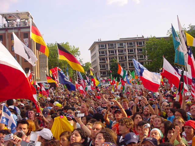 J&oacute;venes de la Jornada Mundial de la Juventud, en Colonia 2005.