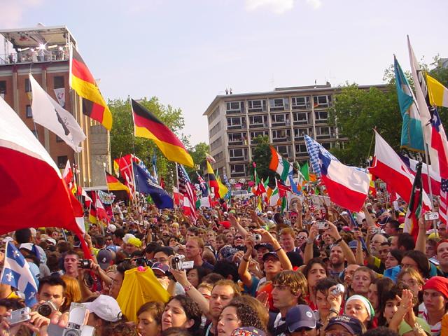 Jóvenes de la Jornada Mundial de la Juventud, en Colonia 2005.