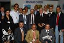 Lech Walesa junto al grupo del <i>Regnum Christi</i> que organiz&oacute; el evento.