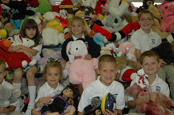 The pupils of Pinecrest Academy sent 3275 stuffed animals to Mississippi and Louisiana  to comfort children who had lost everything.