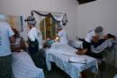 A equipe de cirurgi&otilde;es dentistas leva os<br>equipamentos necess&aacute;rios para beneficiar<br>adequadamente a comunidade.