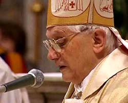 Papa Benedicto XVI - Primera Misa Capilla Sixtina