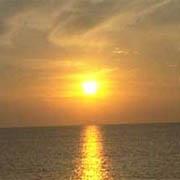 Puesta de sol en el mar.