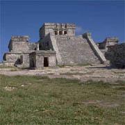 Ruinas arqueológicas en zona indígena.