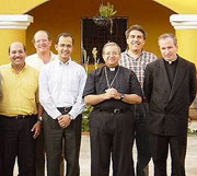 Mons. Plana, Alejandro Pinelo y ETC Guatemala