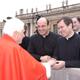 &laquo;Santo Padre, cuente totalmente con toda nuestra adhesi&oacute;n filial y disponibilidad&raquo;, dijo el P. &Aacute;lvaro Corcuera, L.C. al momento de saludar al Papa Benedicto XVI. <i>(Foto: Arturo Mari)</i>.