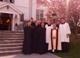 El padre Pail Waddell con algunos hermanos en su parroquia de Katonah, Nueva York.