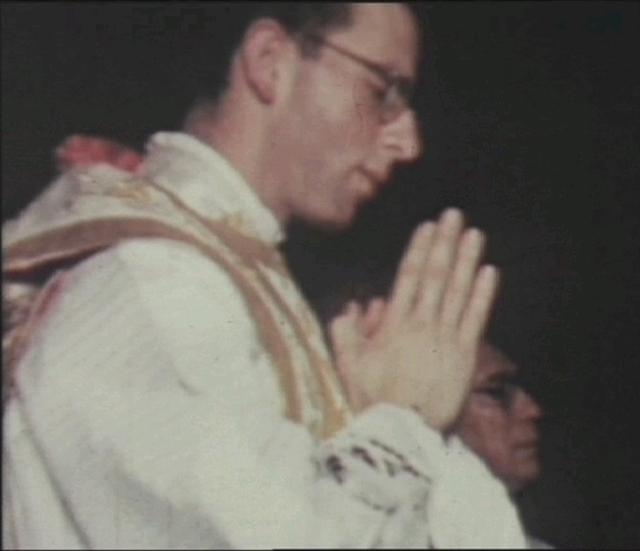 El 26 de noviembre de 1944, en la Basílica de Guadalupe de México, el P. Maciel recibió la ordenación sacerdotal de manos de Mons. González Arias.