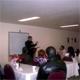 El P. Juan Rivas, L.C. explicando la misión de Hombre Nuevo.