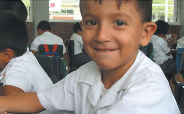 Alumno de colegio Mano Amiga.
