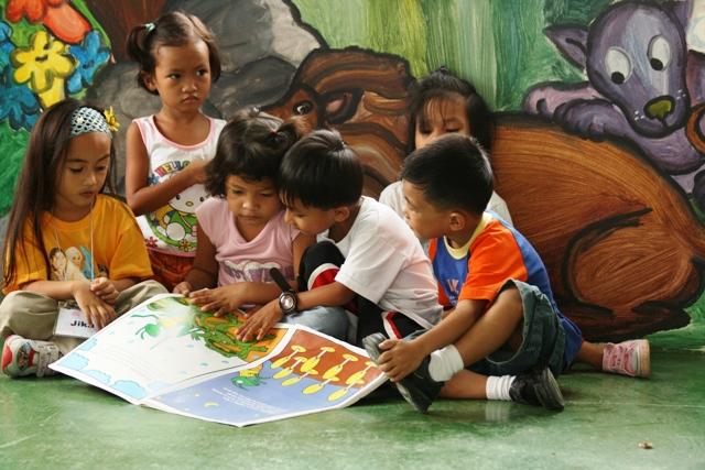 Philippines Mano Amiga kids