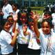Niños de una escuela de escasos recursos pasaron un momento especial con miembros de Soñar Despierto de Monterrey.