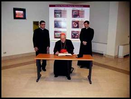 El Card. Angelo Sodano visitando la Universidad Europea de Roma