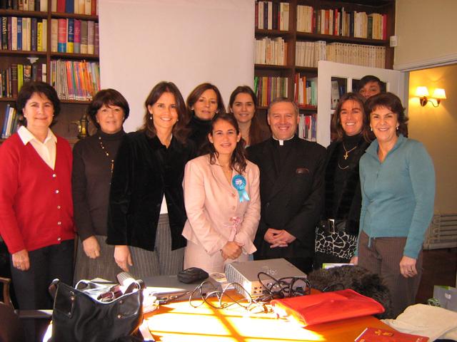 Miembros del apostolado de la Virgen Peregrina de la Familia en Chile.