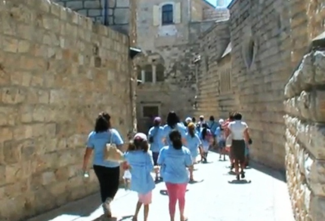 girls walking in Jerusalem
