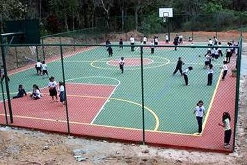 Campo de juego construido por Fundación Altius Brasil para la comunidad de Santa Julia.