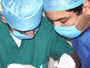 Jóvenes universitarios durante las brigadas dentales.