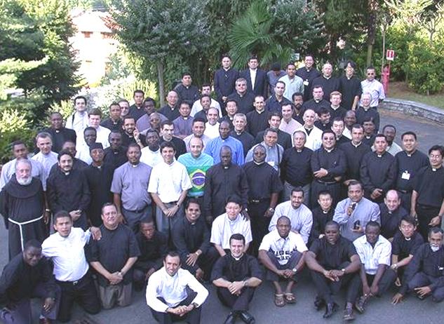 Los 82 sacerdotes participantes en el 17º Curso Internacional para formadores de seminarios.