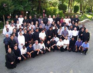 Los 86 sacerdotes provenientes de 35 países que participaron en