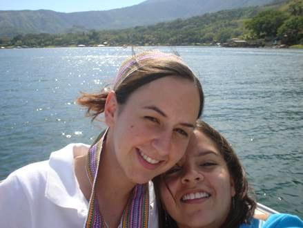 María José Iturralde Mendoza, ofreció 3 años como colaboradora en El Salvador.