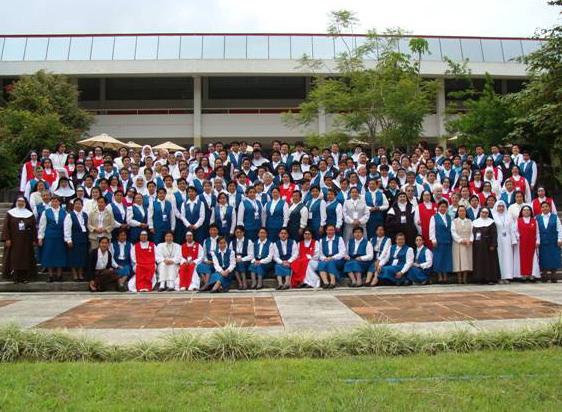 Las religiosas que se dieron cita en la Universidad Anáhuac de Xalapa para el curso �Un corazón consagrado al servicio del amor�.
