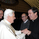 Benedict XVI greets Fr Álvaro Corcuera, LC, at the end of the General Audience on January 7, 2009 (Photos: L'Osservatore Romano).