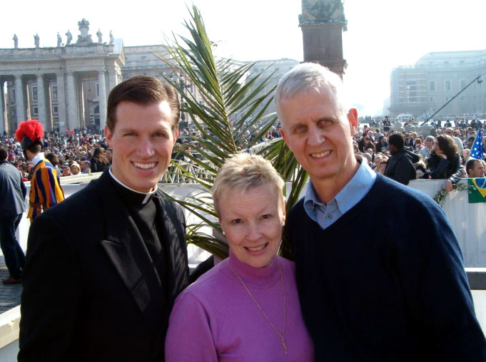 Benjamin Cieply, LC with his parents in St Peter's Square.