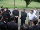 Mons. Héctor Cubillos saluda a los hermanos novicios legionarios de Cristo que se encuentran en Colombia.
