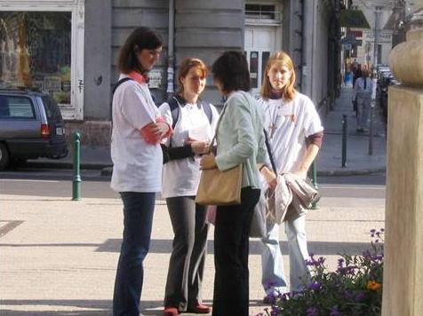 Jóvenes de Juventud Msionera, de Budapest, en la �Misión de la Ciudad�.