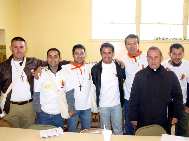 Priest and young missionaries in Sacramento: a winning team.