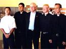 Mons. Odilo Scherer, obispo auxiliar de Sao Paulo y secretario de la CNBB, con seminaristas de Novo Hamburgo, Brasil.