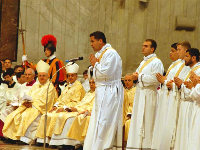 El P. Juan Carlos Mari, L.C., responde «presente» al llamado.