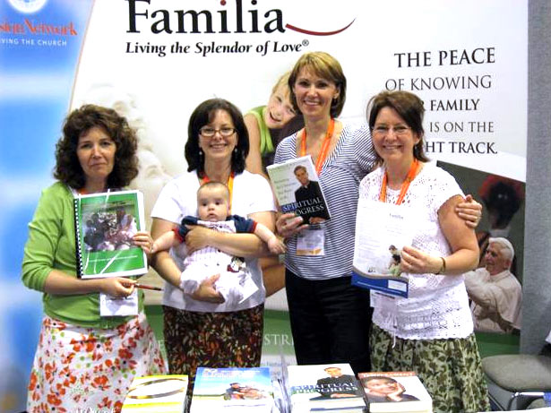 Working hard at the Familia booth: Micheline Benard, Debbie and Luke Bailey, Rose Trehas and Louise Mathieu.