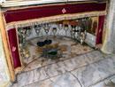 Altare della Basilica della Natività di Betlemme.
