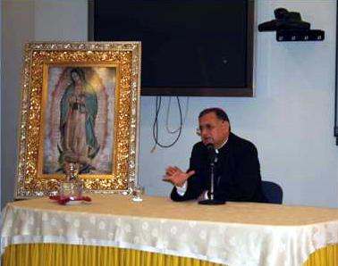 Su Beatitud Fouad Twal, Patriarca Latino de Jerusalén, durante la conferencia dirigida a los sacerdotes de la renovación.